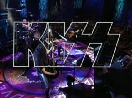 A ideia para o Unplugged MTV do Kiss surgiu após uma apresentação acústica em um encontro do fã-clube oficial da banda (foto: MTV)